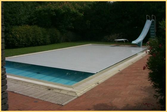 Copertura piscina a profili rigidi for Coperture invernali per piscine fuori terra intex